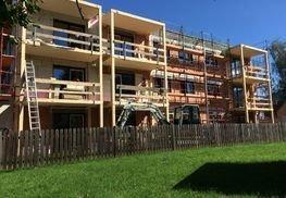 ...die Balkone stehen auch schon und bieten einen atemberaubenden Ausblick.